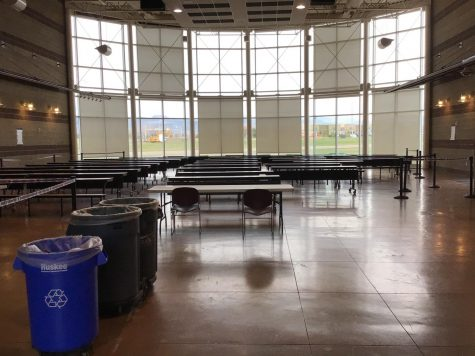 The Commons at Silver Creek High School on a Tuesday Morning. Photo by Dillon Rankin.  Despite the seating in the Commons as well as the extra tables added outside of the A wing, Silver Creek students have been faced with a shortage of space to eat lunch in. This has led to, among other things, less social distancing while eating, stress while trying to find a table, and an overall less enjoyable lunch experience.